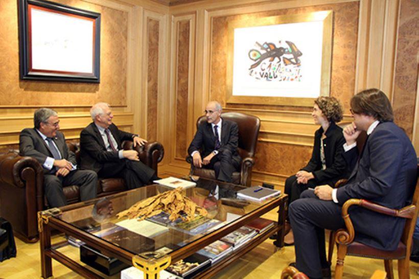 El ministro se ha reunido, entre otros, con el jefe del Gobierno, Antoni Martí Petit; con la ministra de Asuntos Exteriores, Maria Ubach Font, y con el síndic general (presidente del Parlamento), Vicenç Mateu Zamora.