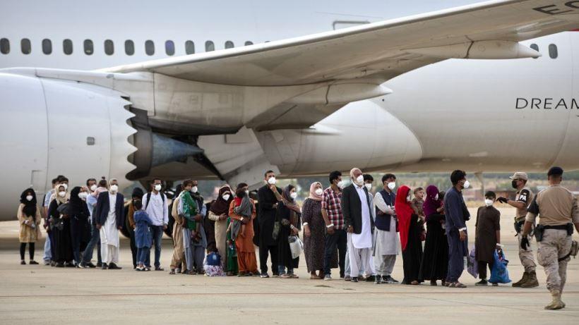 Algunas personas que han participado en las misiones de rescate nos cuentan lo vivido en el aeropuerto de Kabul y la base aérea de Torrejón