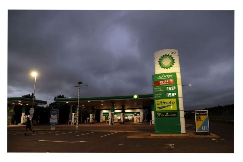 La falta de transportistas hace imposible que las reservas de combustible lleguen a las estaciones