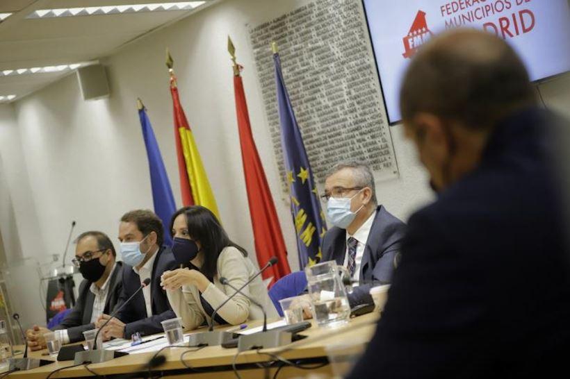 Mercedes González ha explicado su funcionamiento y funciones en una reunión con la Junta de Gobierno