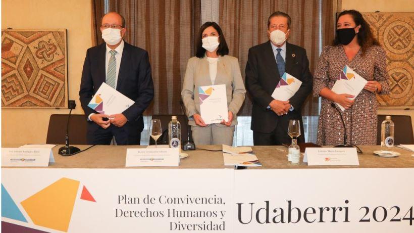 """El proyecto es """"la hoja de ruta"""" en lo que se refiere a diversidad en Euskadi y """"autocrítica"""" acerca del pasado con ETA"""