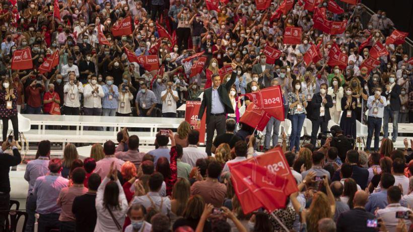 El PSOE acentúa su proyecto socialdemócrata y respalda ampliamente sus nuevos órganos de dirección