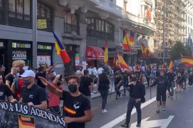 La Fiscalía de Madrid ha abierto diligencias penales por los graves insultos homófobos contra el colectivo LGTBI producidos en la marcha por el centro de Madrid