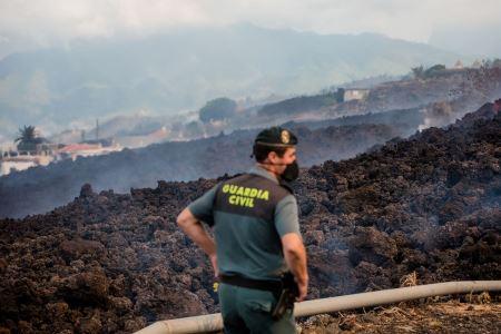 Vecinos de La Palma denuncian robos en las casas desalojadas por la erupción volcánica