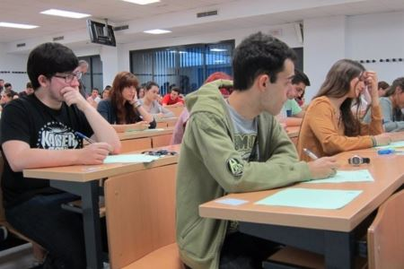 La reforma educativa permitirá optar a un Bachillerato de tres cursos e ir a Selectividad con un suspenso