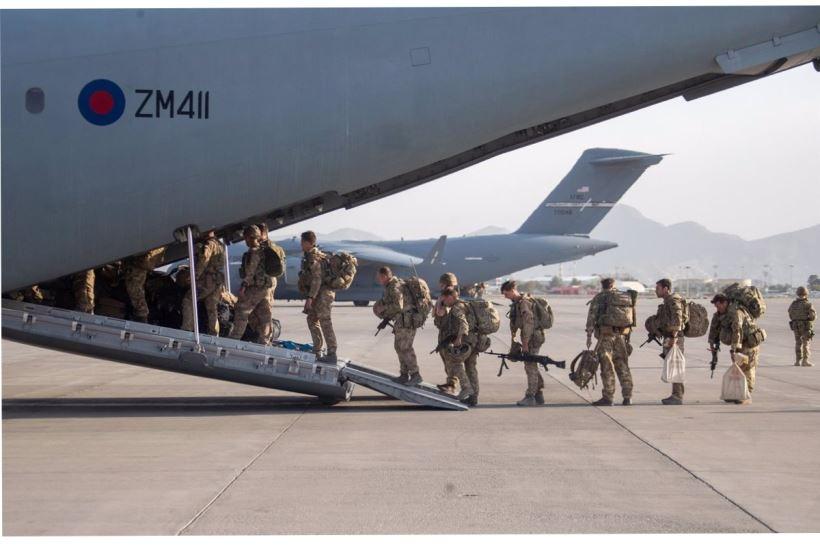 Estados Unidos evacuará a los ciudadanos internacionales a lo largo de este jueves
