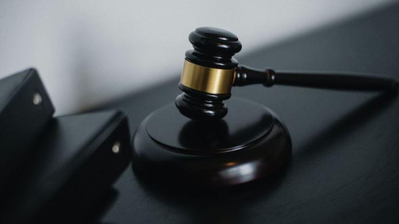 El joven de Malasaña que mintió sobre la agresión por parte de ocho encapuchados podría enfrentarse a una multa económica o incluso a una pena de prisión de entre seis meses y dos años